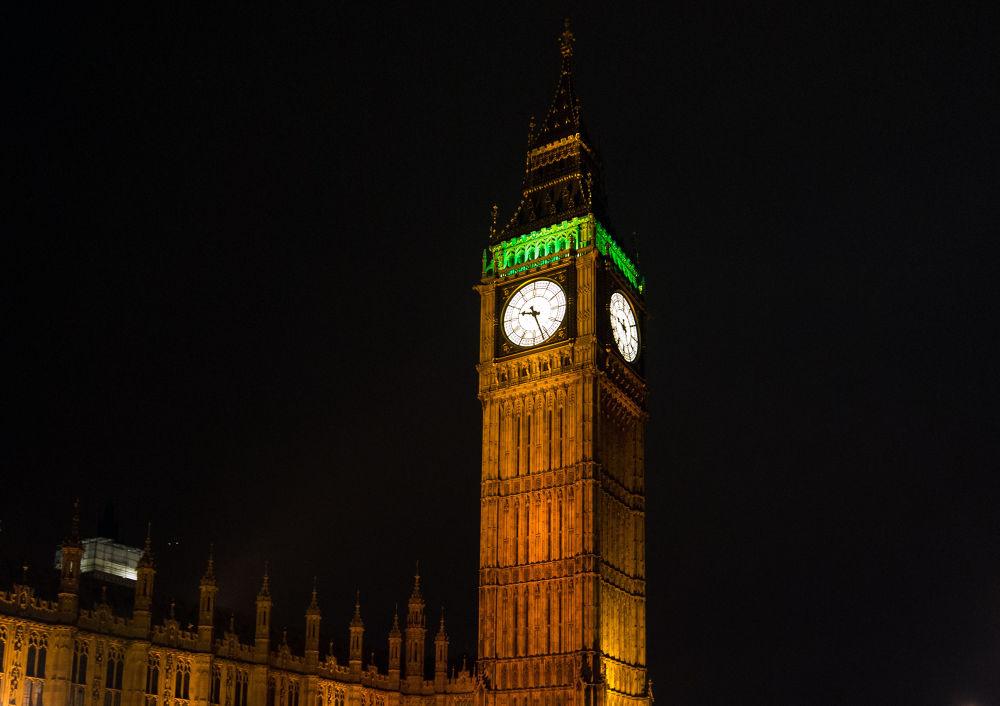 Big Ben by night by sofiadilauro