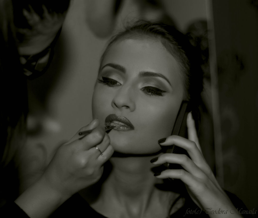 behind the scene in black and white by manailateodora