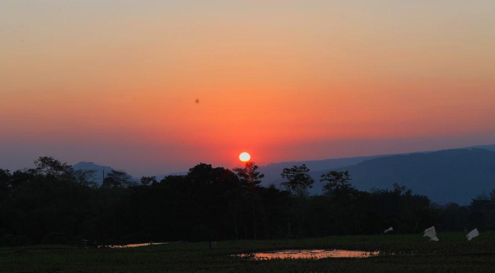 new day .... by valkemwajee