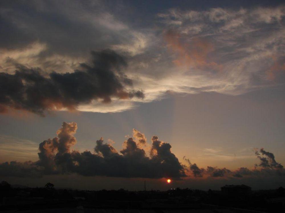 Elefantes en el cielo by merlegarciagonzalez