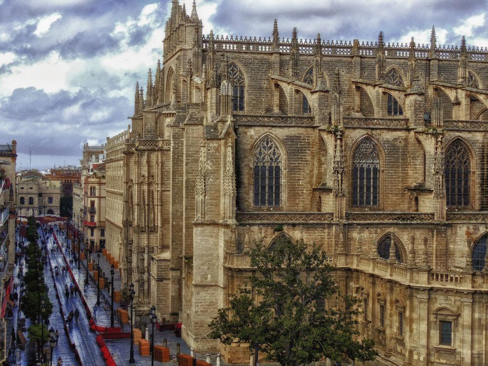 Catedral de Sevilla by lolacamachotroyano