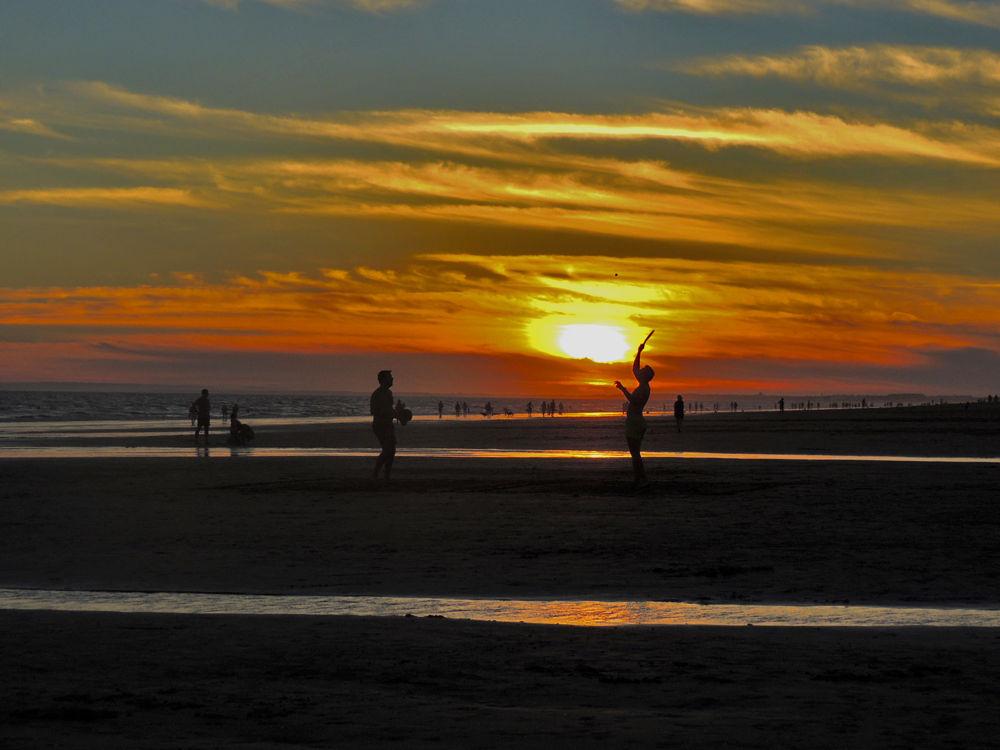 Atardeceres en la playa by lolacamachotroyano