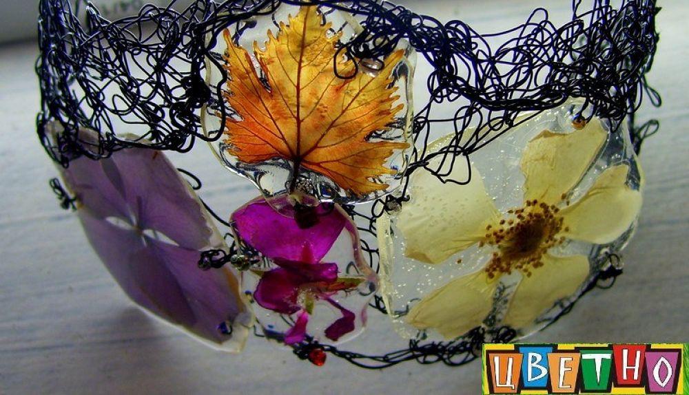 bracelet  by real flowers by CvetnoPlovdiv