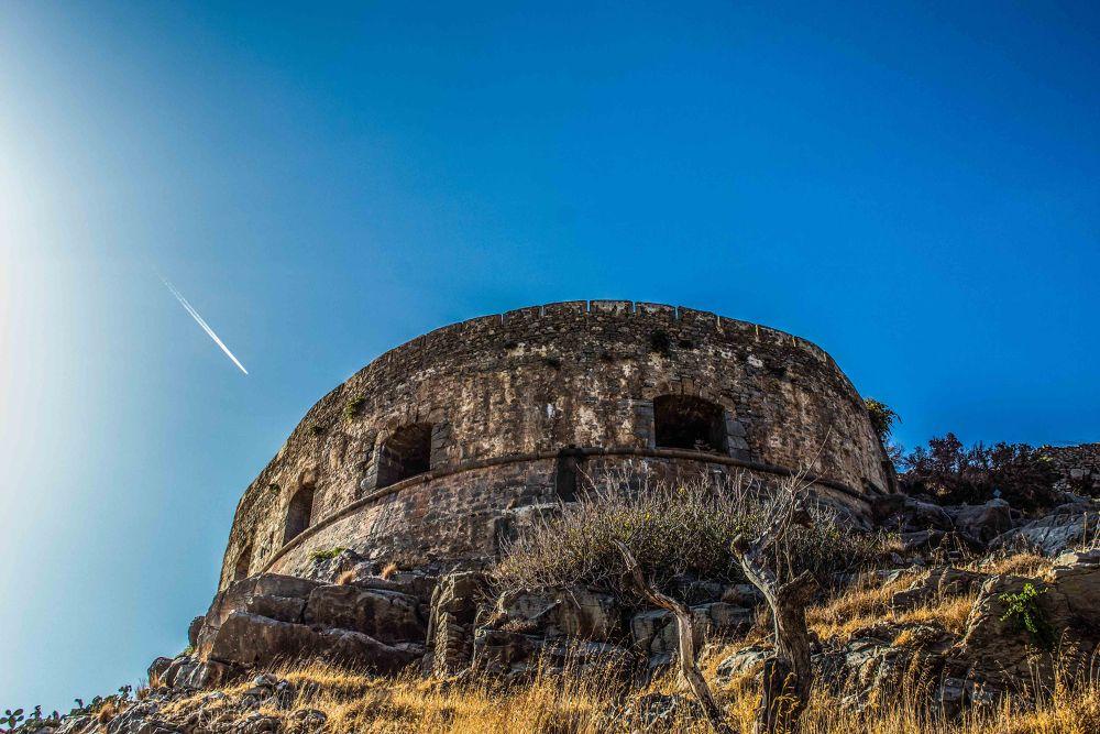Mezzaluna, Spinalonga by derrymaine14