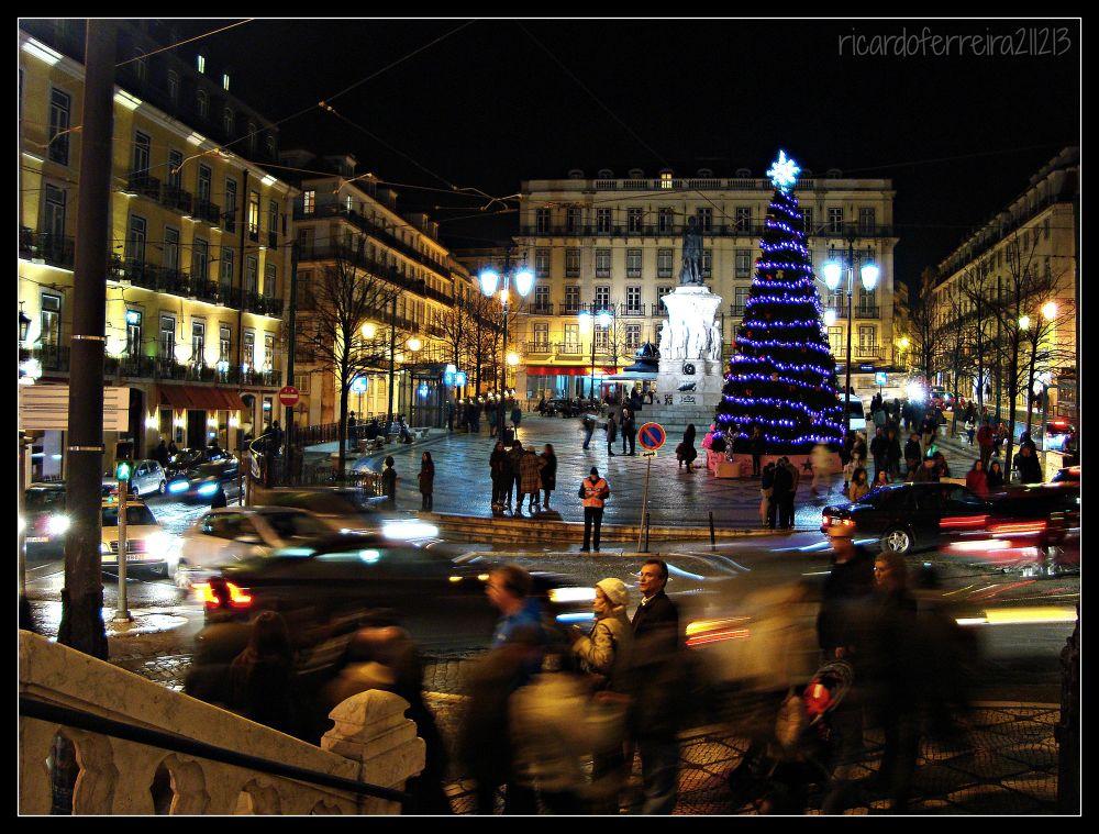 Lisboa. Natal na praça Luis de Camões. Christmas time at Luis de Camões square. by ricardoXPTOferreira