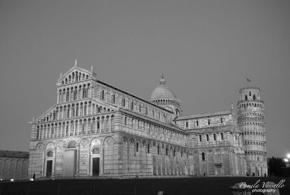 Piazza dei Miracoli (Pisa) by Pamela Vassallo
