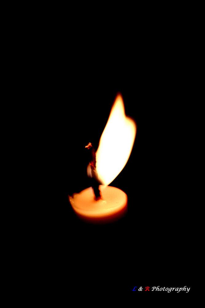 Candle by  Ernasto Elmend A