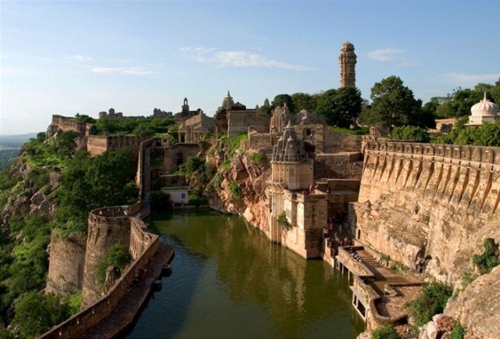 chittorgarh-fort-udaipur tirupati holidays.net by sanathpollemore