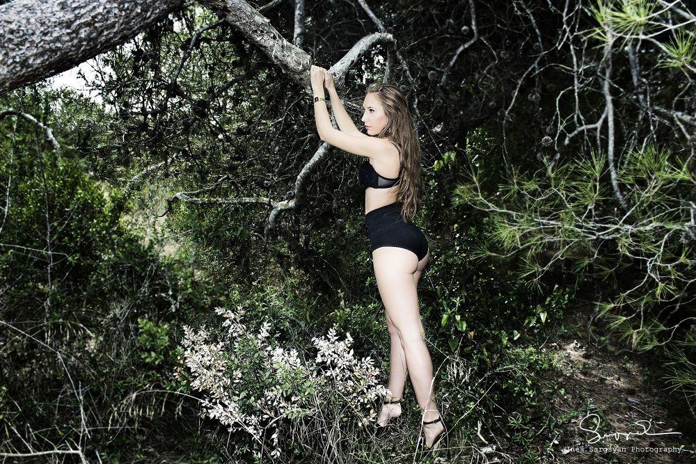 Photo in Random #sensualidad #pasión #bosque #desesos #lencería #valencias #spain #ypa2013