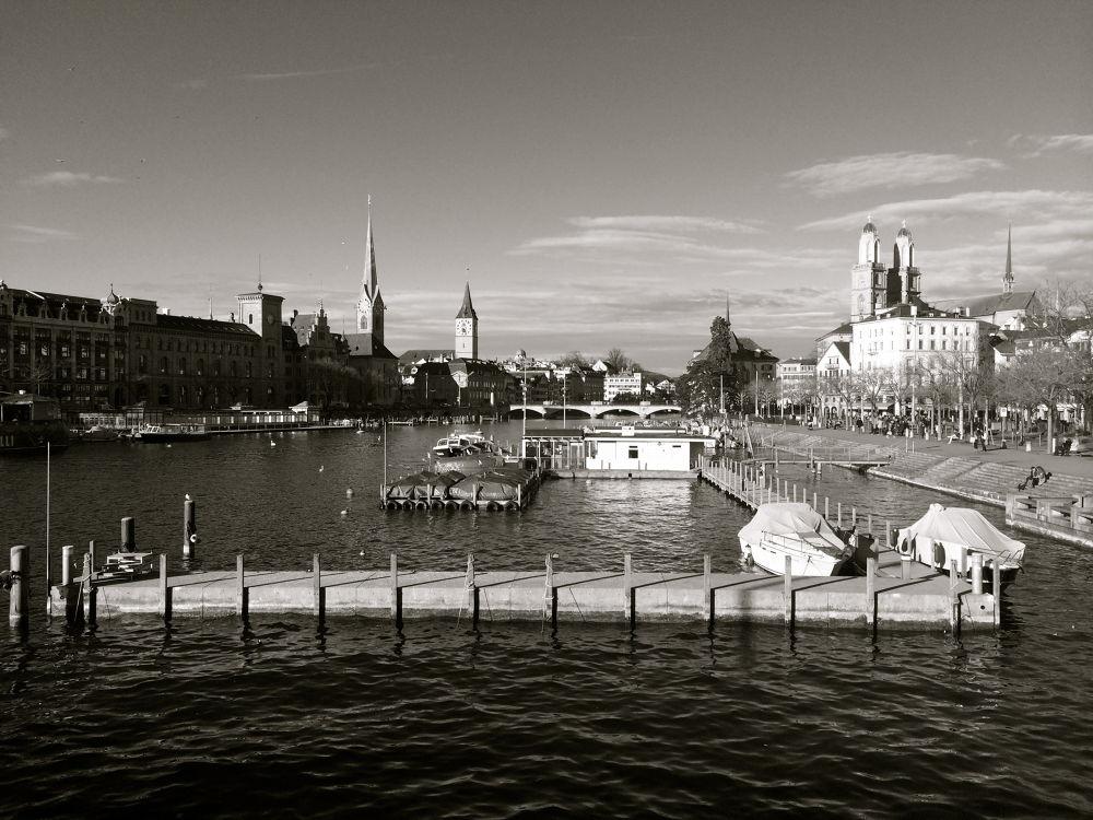 Zürich by virginiecazeneuve