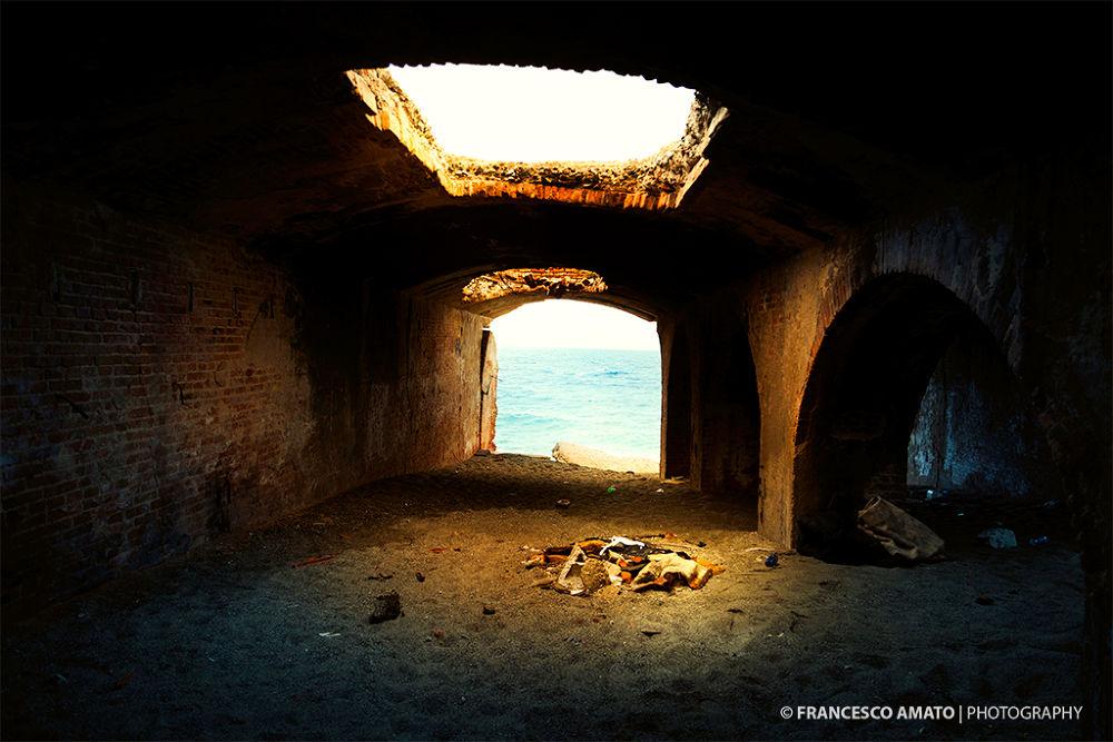 Photo in Urban #messina #san raineri #wall #sea #light