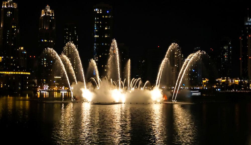 Dubai Fountain by Sinosh VA