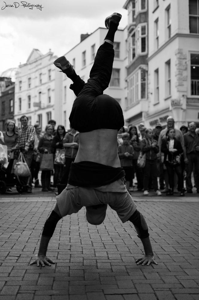 Dancer in Dublin city.  by jessedevenon