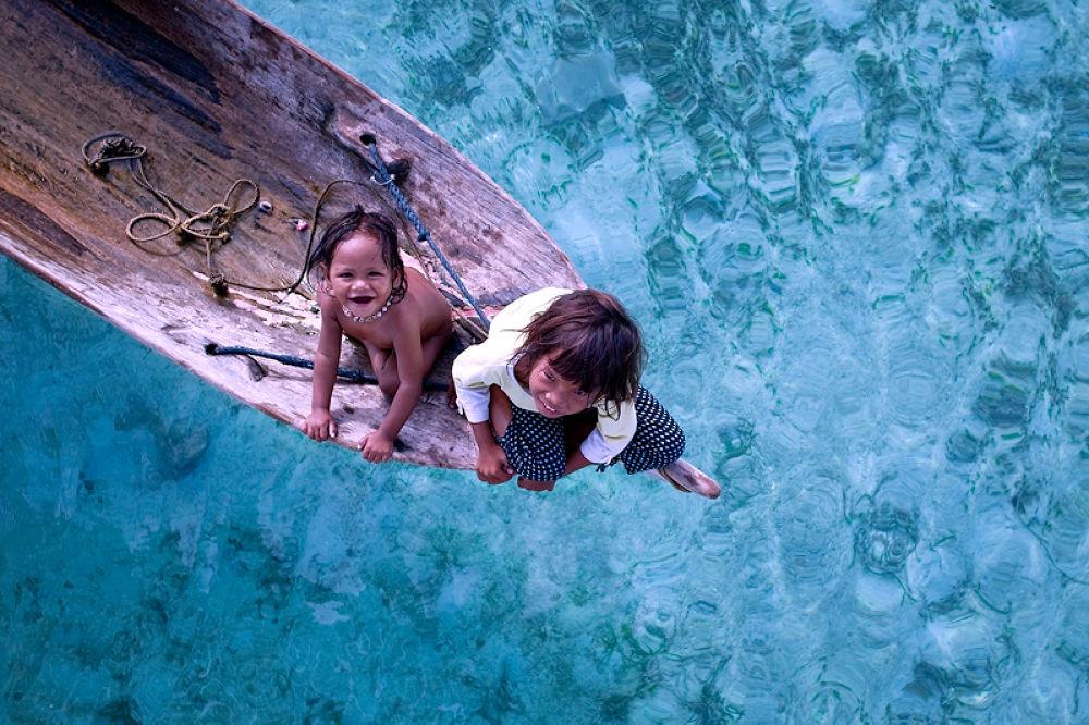 Bajau Laut | Smile by perakman