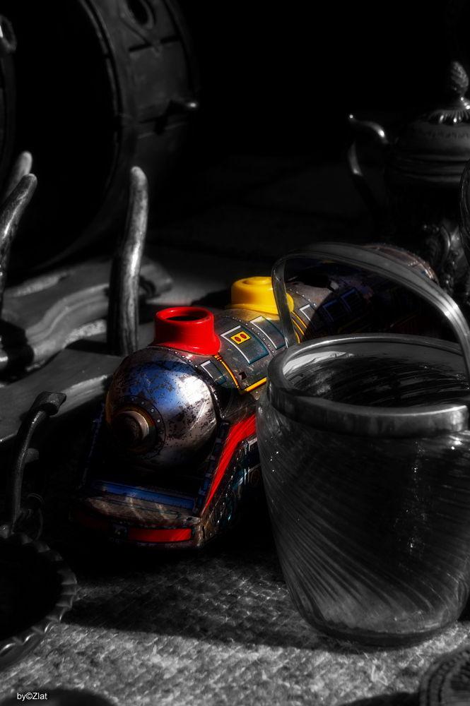 Memorabilia-Red & Yellow by zlatanklaric