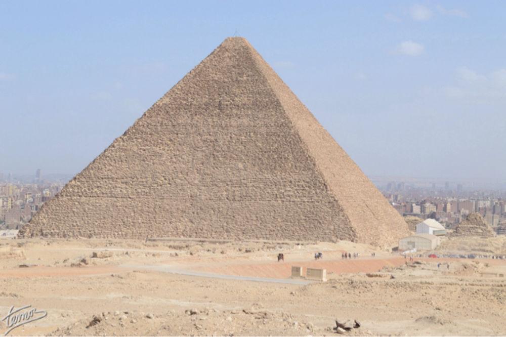 King Khufu Pyramid by temos.photos