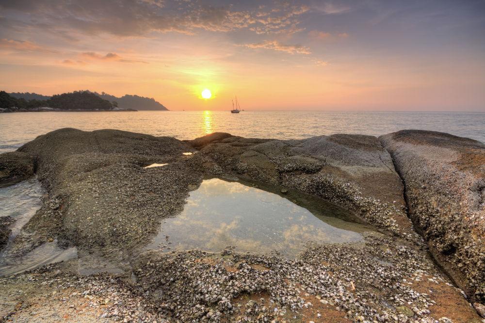 Pangkor Island Sunset by anuarchehussin