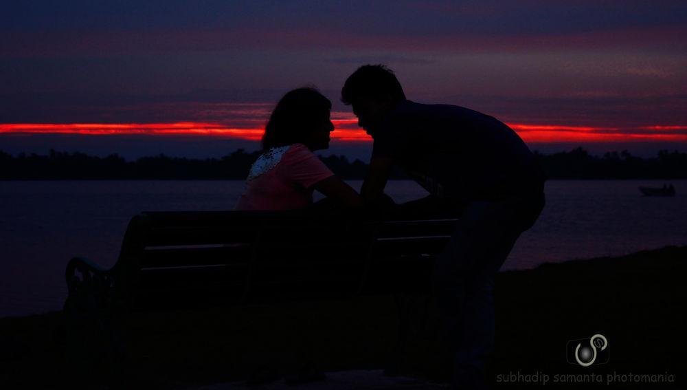 love in the air...........sun set at KOLKATA by subhadipsamanta