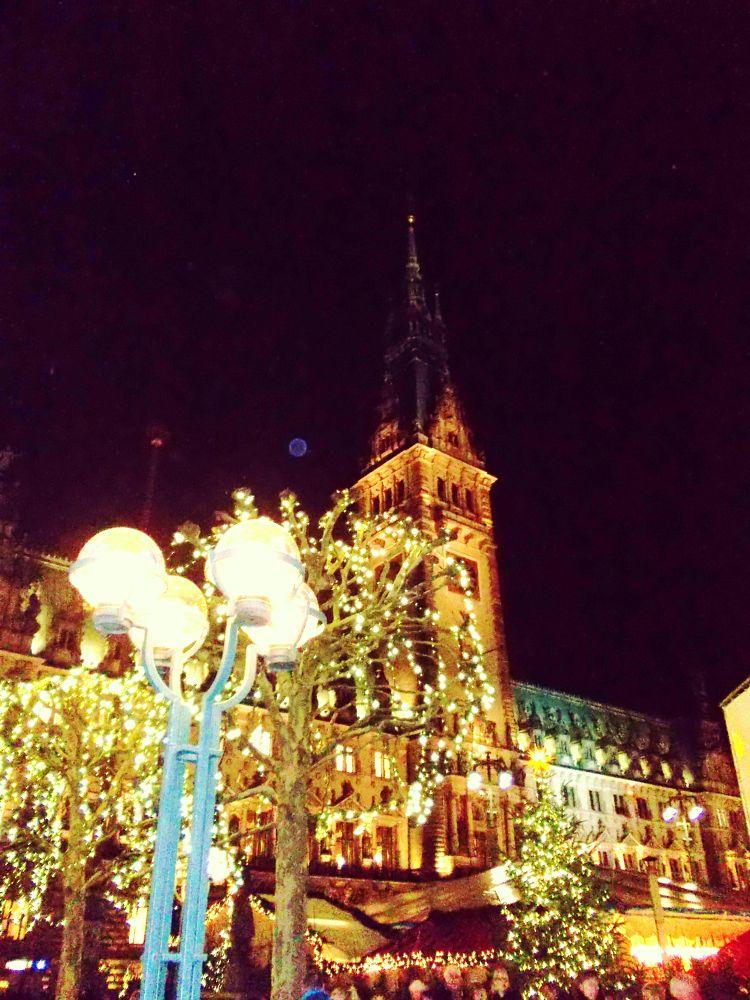 Weihnachtsmarkt Hamburg by Susanne Schulze