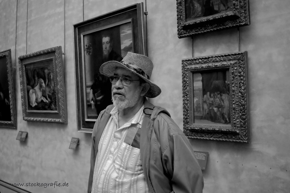 Photo in Street Photography #louvre #fuji #x100s #blackandwhite #bw #museum #hat #paris #france #man #art