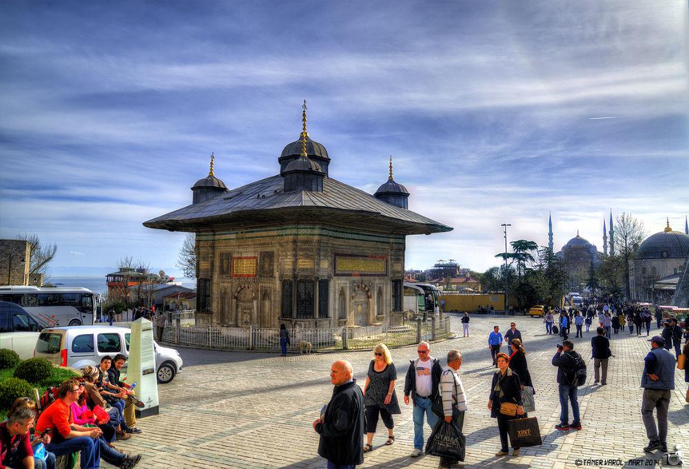 Saltanat Kapısı'ndan by Taner VAROL
