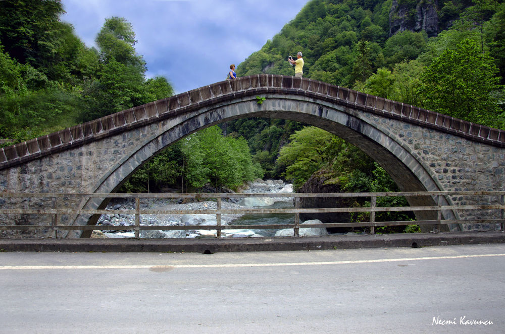 Çifte Köprüler by Necmi Kavuncu