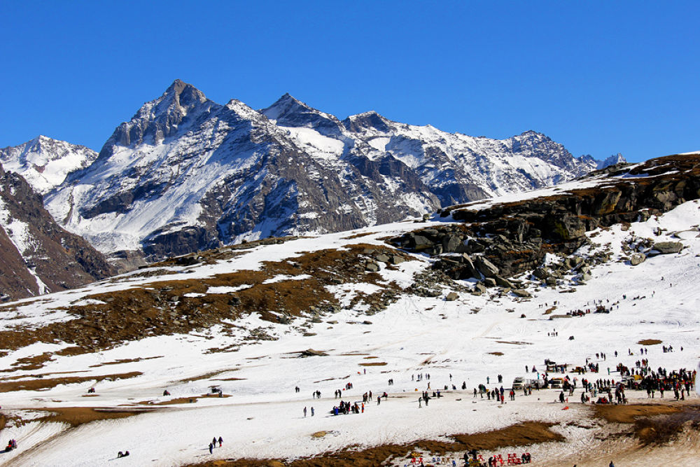 Rothang Pass by ajaykaul