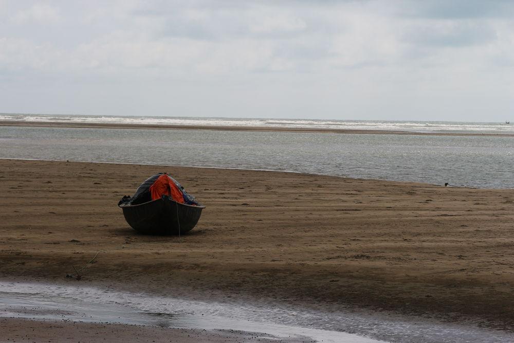 Photo in Landscape #island #sole island #sea shore #boat in sea beach