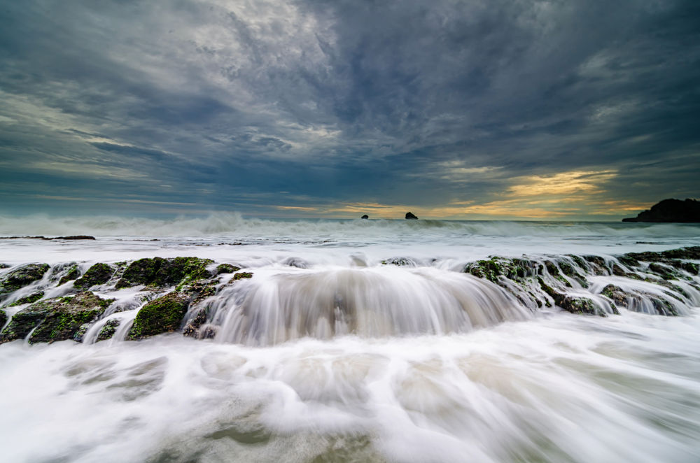 wave by Rivan Indra