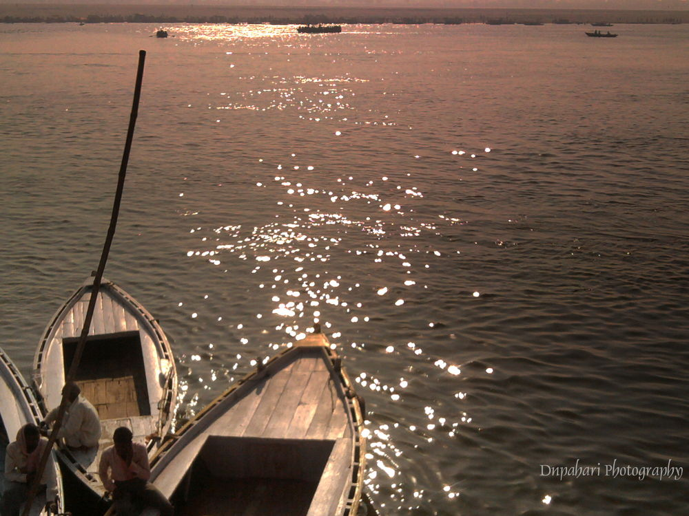 Morning View of Holy River Ganga.. by dnpahari