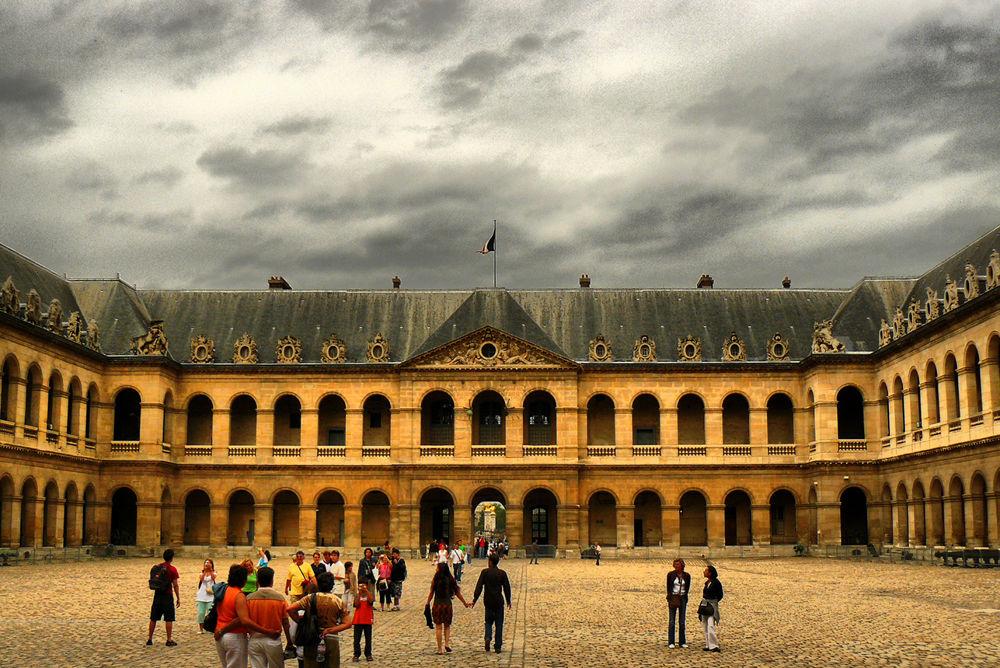 Le cour d'honneur des Invalides. Paris (HDR) by DavidRoldan