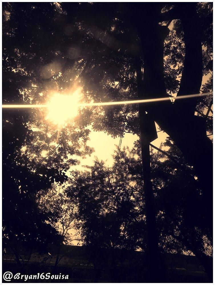 dibalik jendela by bryan16Souisa
