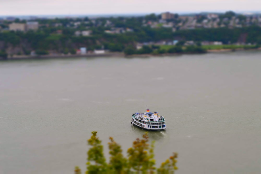 Miniboat by Antoine.J Photography