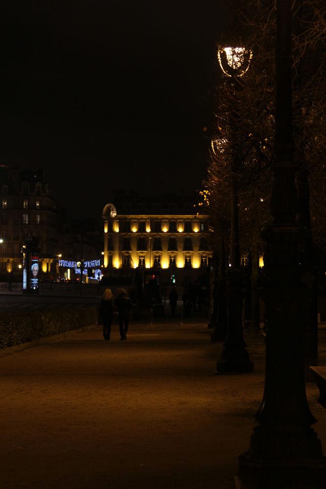 Paris 16 by thatsallicomeupwith