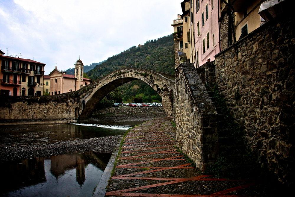Dolceacqua (IM) Italia. by  Graziano Biancheri