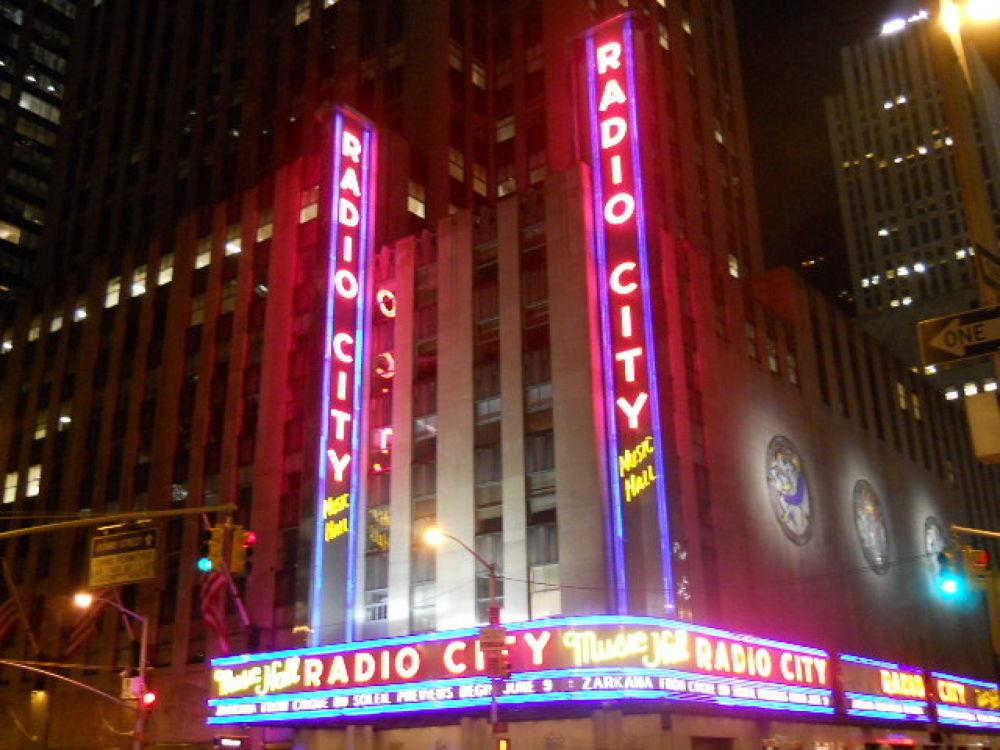 Radio City Music Hall by mark12
