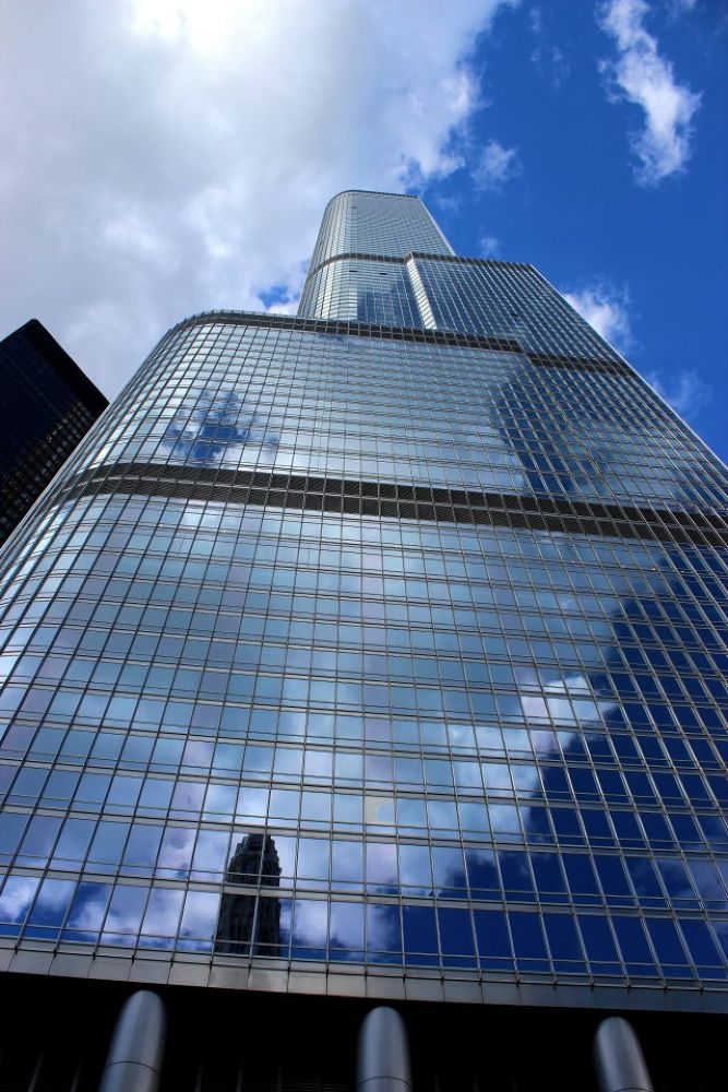 Downtown Chicago  by Beom Photo