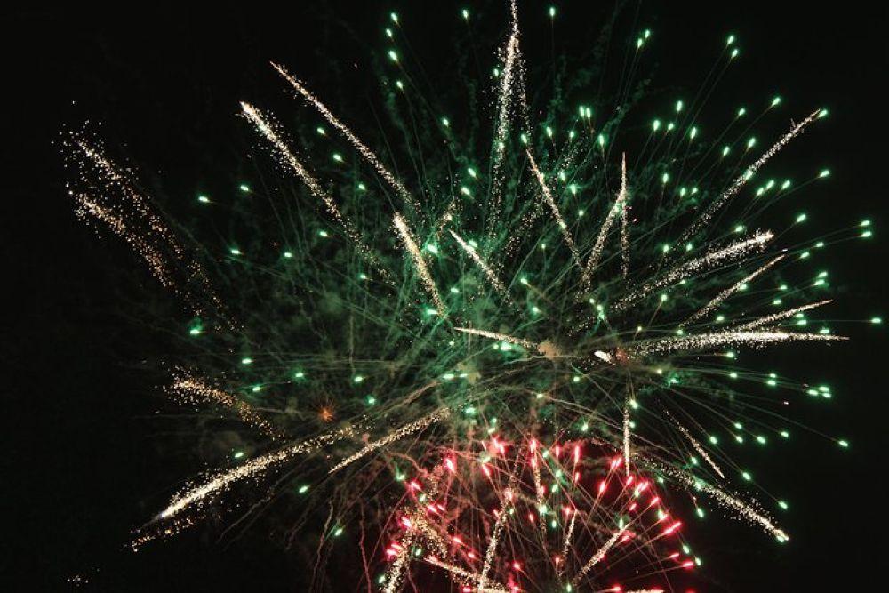 Fireworks by Beom Photo