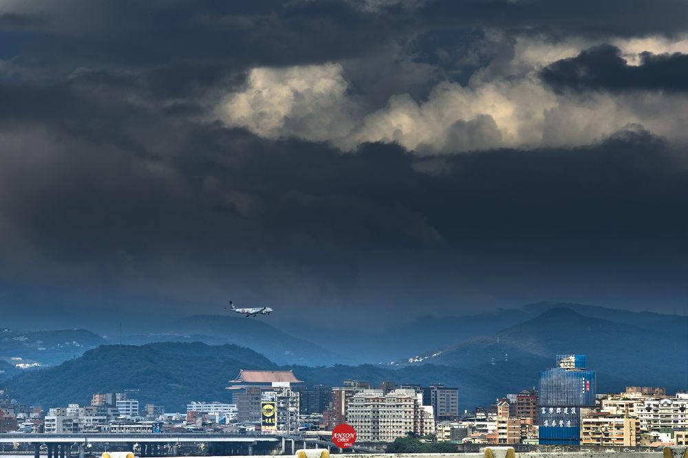 Taipei SKY ,. by iAnson