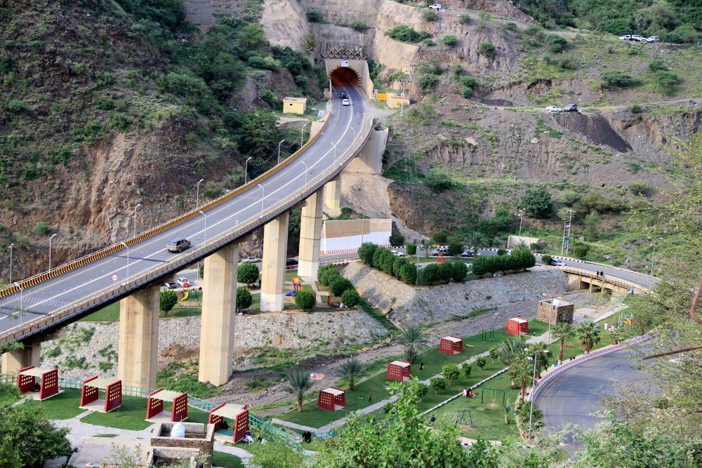 Rijal Alma' bridge by snipersultan