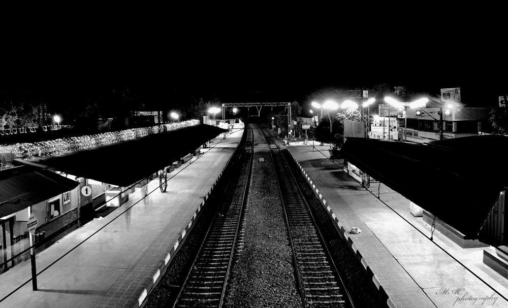The glory of Chandannagar station in a winter night....jpg by mac_savoir_et_devoir