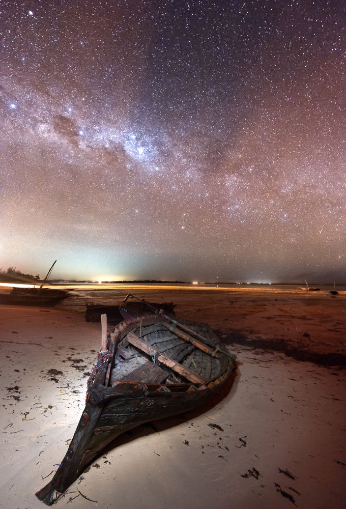 night boat by Vincent_Xeridat