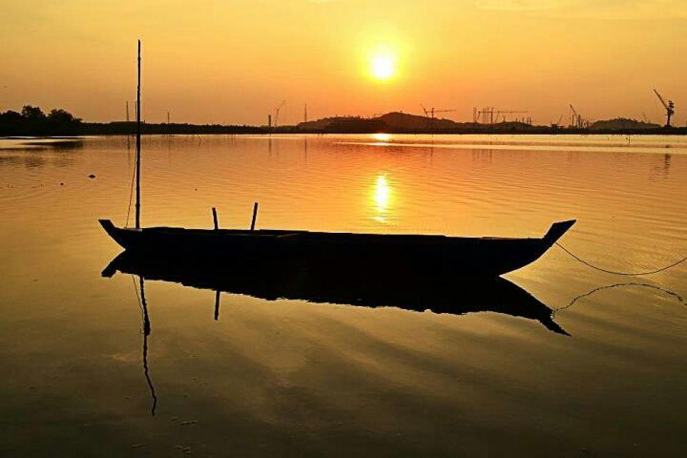 Parking Boat at Sunset by rizkimayendra