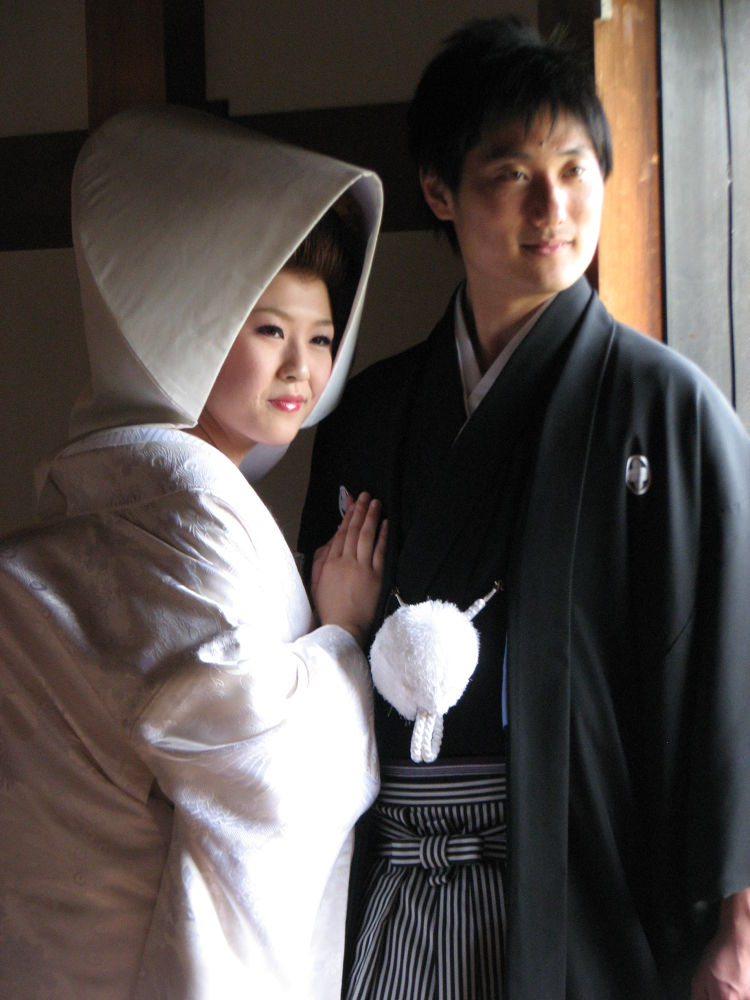 Japanese bride and groom by richardwynne16
