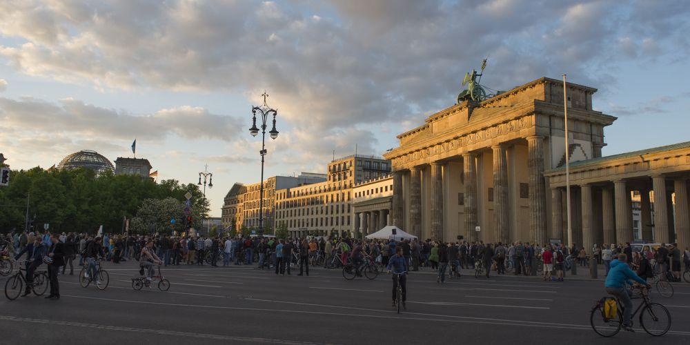 people want peace, 28.4.2014 Berlin by Juergen Freymann