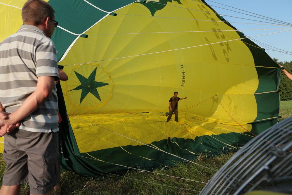 inside the balloon by jeanpierrepron5120
