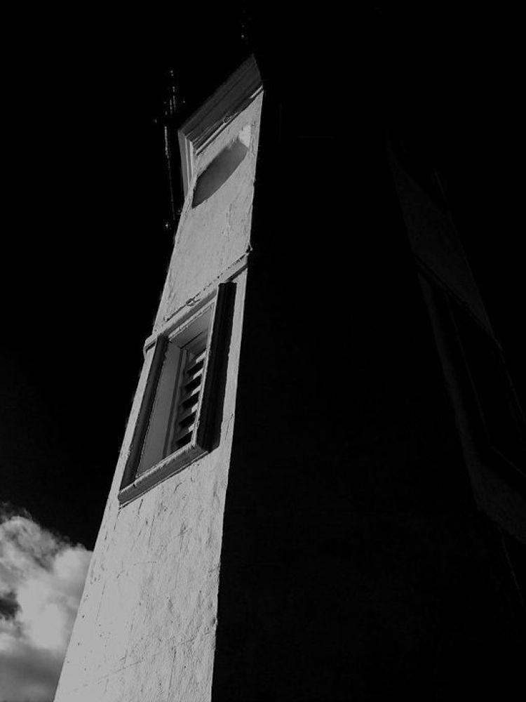lighthouse.jpg by brynthorburn