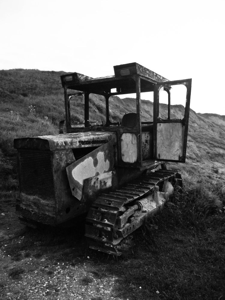 Rusting by the sea by brynthorburn