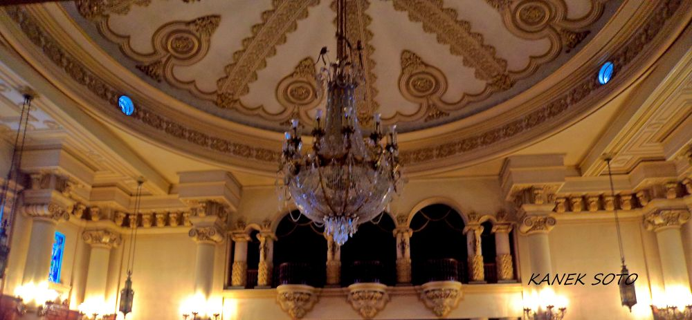 LIGHTS IN PALACE. by Enkisoto666
