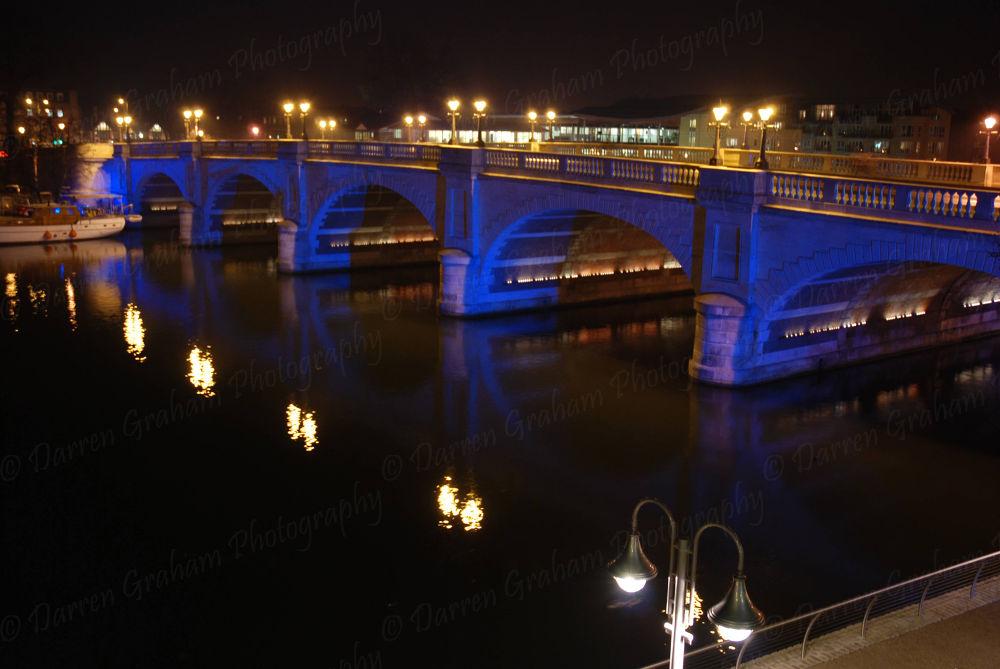 Kingston bridge  by DarrenGrahamPhotography